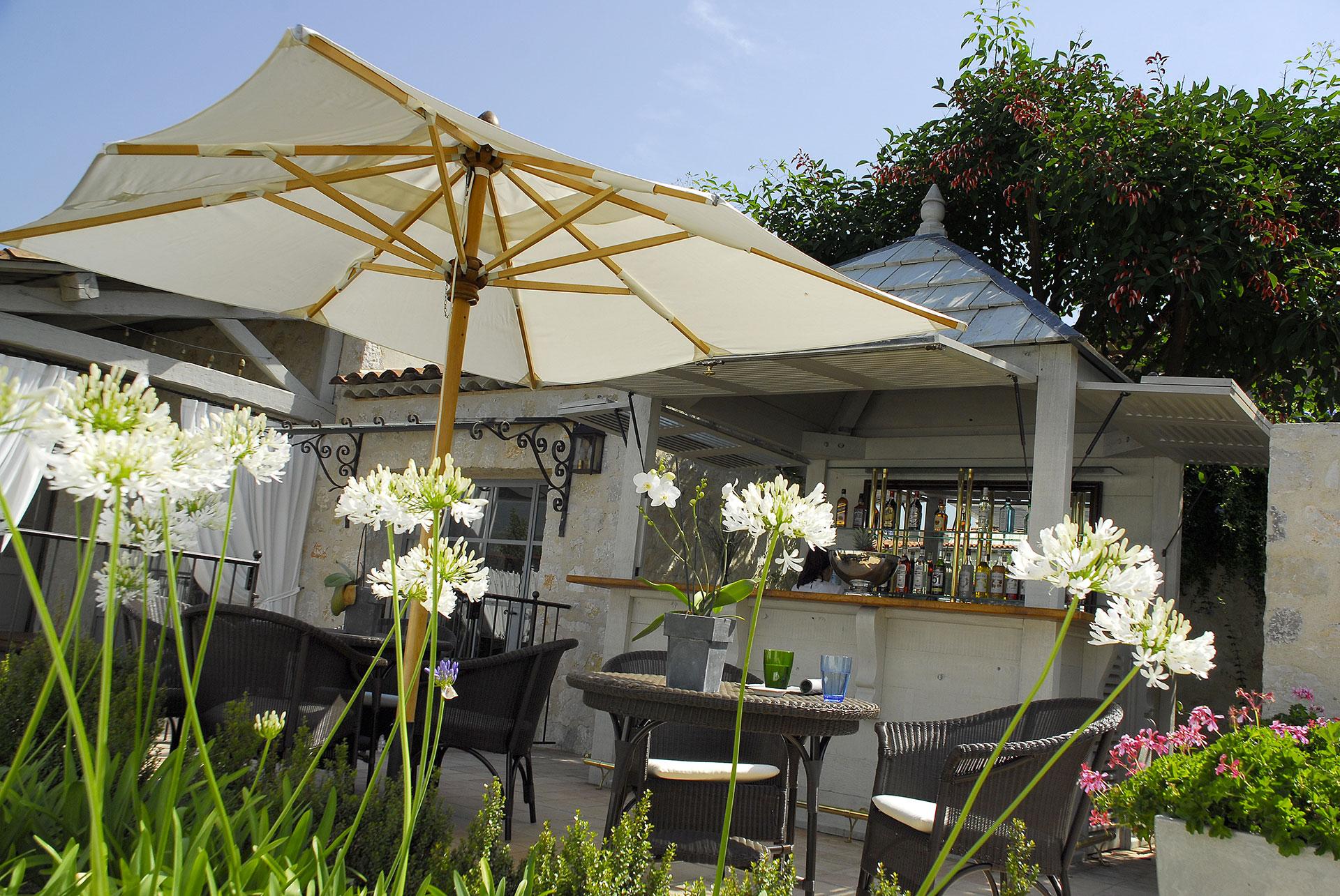 Bar Exterieur En Pierre le mas de pierre   vue-exterieur-peters-bar-hotel-mas-de